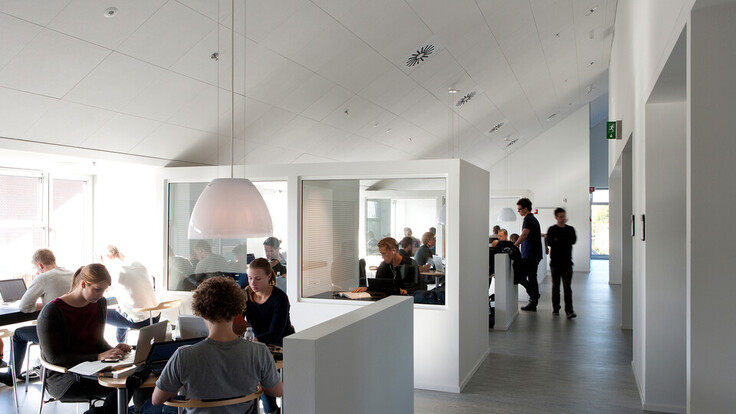 Handelshøjskole school education Sonar X-edge 600x600 1200x600 1800x600 ROCKFON CUBO Arkitekter