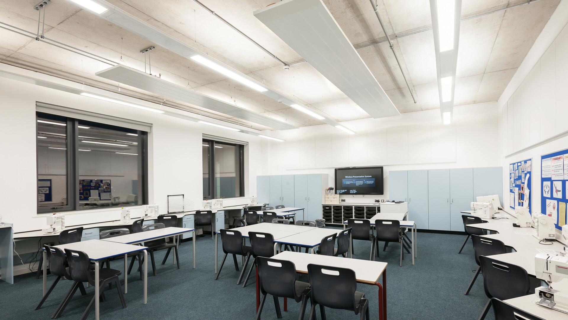 Acoustic ceiling solution: Rockfon® Scholar™ wall panel, 1800 x 600