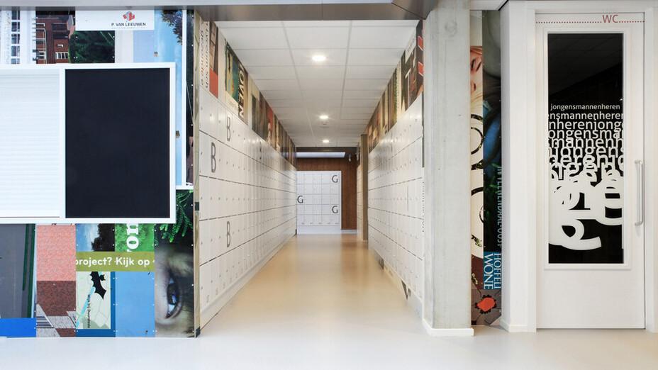 Lyceum Schravenlant (Jeroen Elings/Anton Faber), Schiedam, The Netherlands, 3000m2, LIAG architecten en bouwadviseurs, HEVO BV, PBS, Oss, Studio Moni, ROCKFON Krios, A-edge, 600 x 600, Chicago Metallic T24 Hook 2850