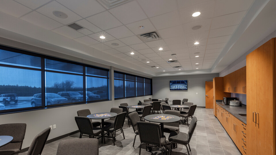 """Featured products: Rockfon Artic® - Chicago Metallic® 1200 15/16"""""""