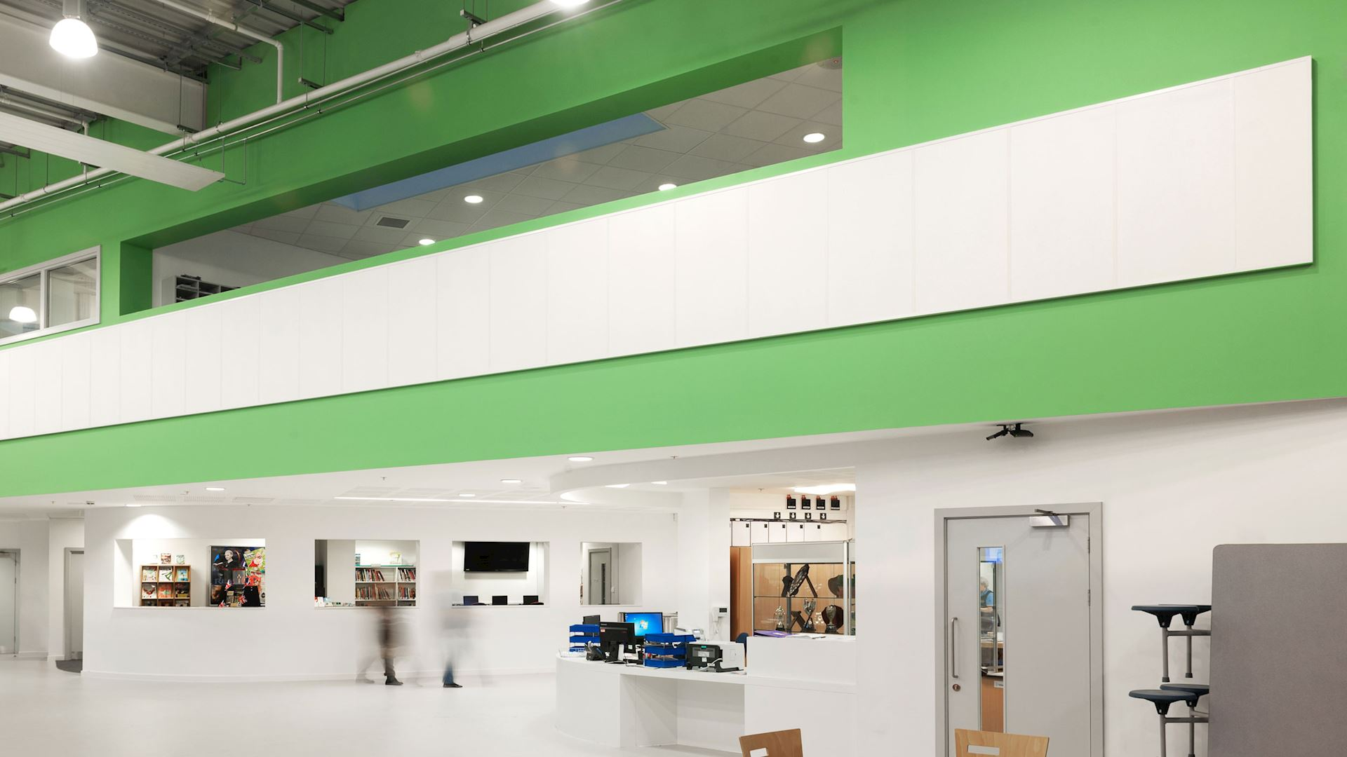 Acoustic wall panels in school classrooms and communal spaces with Rockfon Scholar wall panel
